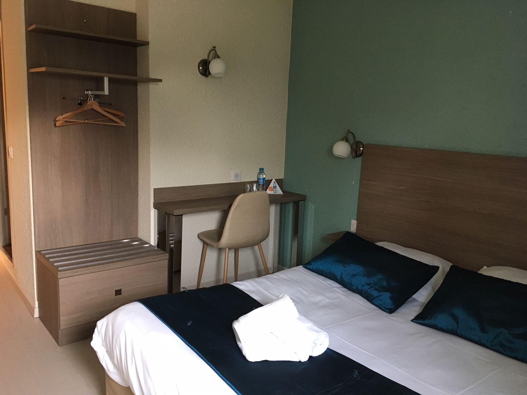 Hotel salon de provence meilleur tarif garanti - Hotel bb salon de provence ...