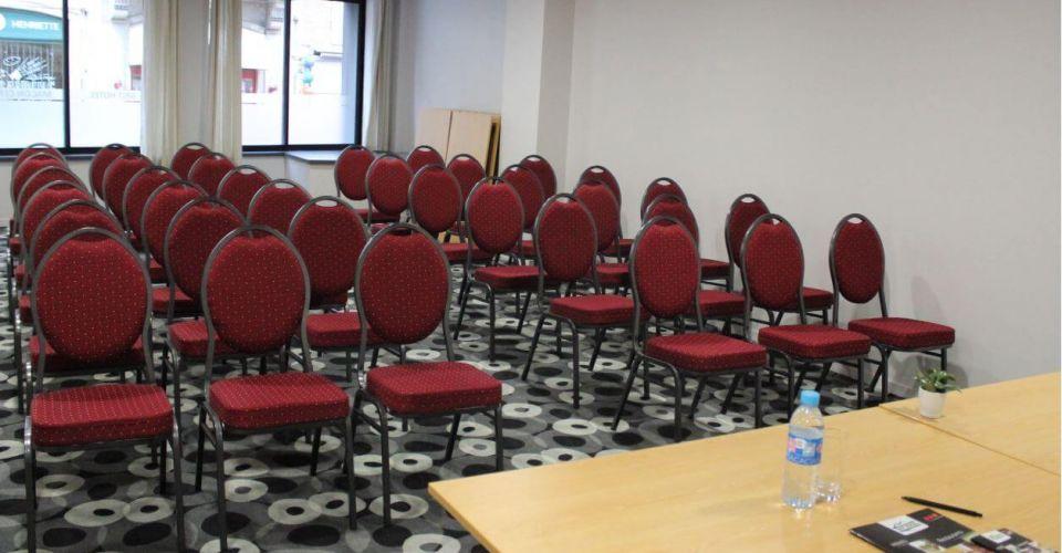 seminar-at-the-brit-hotel-macon