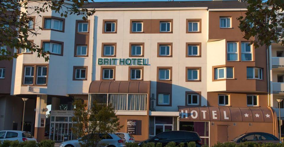 The facade of the Hotel de Tours