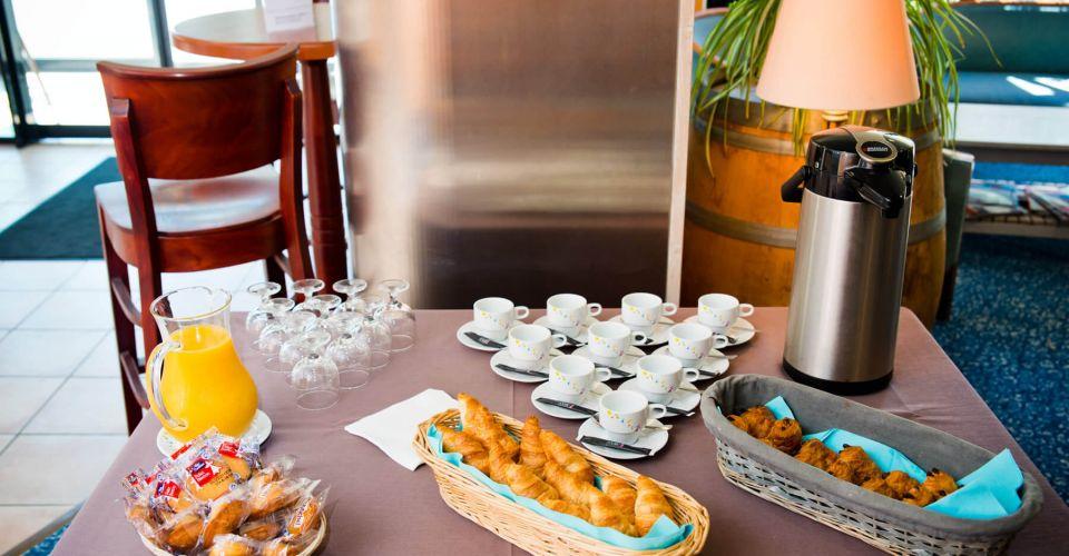 salle de réunion et séminaire avec pause café brit hotel saint malo
