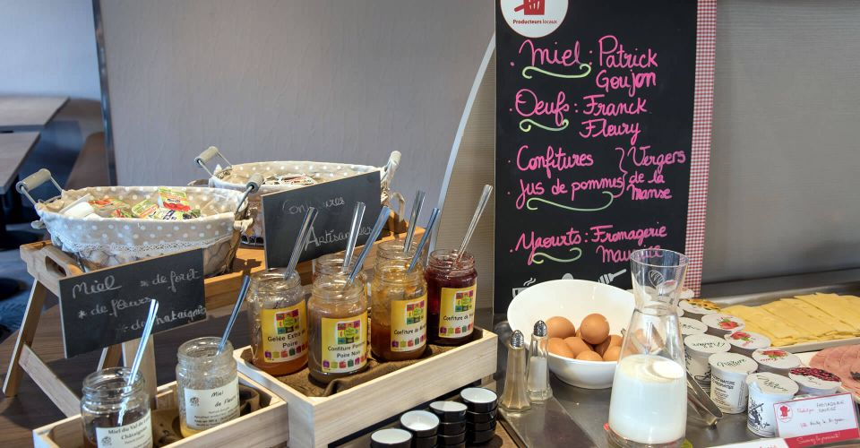Le buffet petit-déjeuner de l'hôtel de Joué-lès-Tours