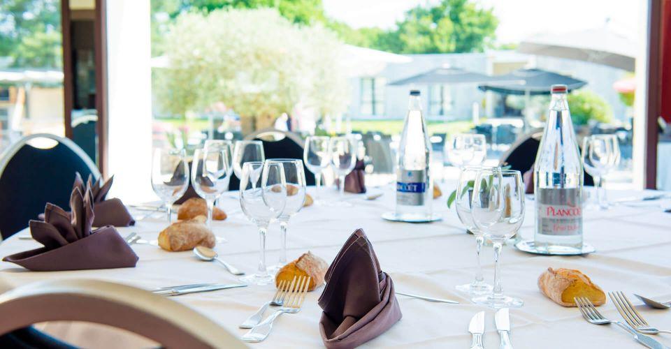 une table du restaurant Atlantel à Vigneux-de-Bretagne, près de Nantes.