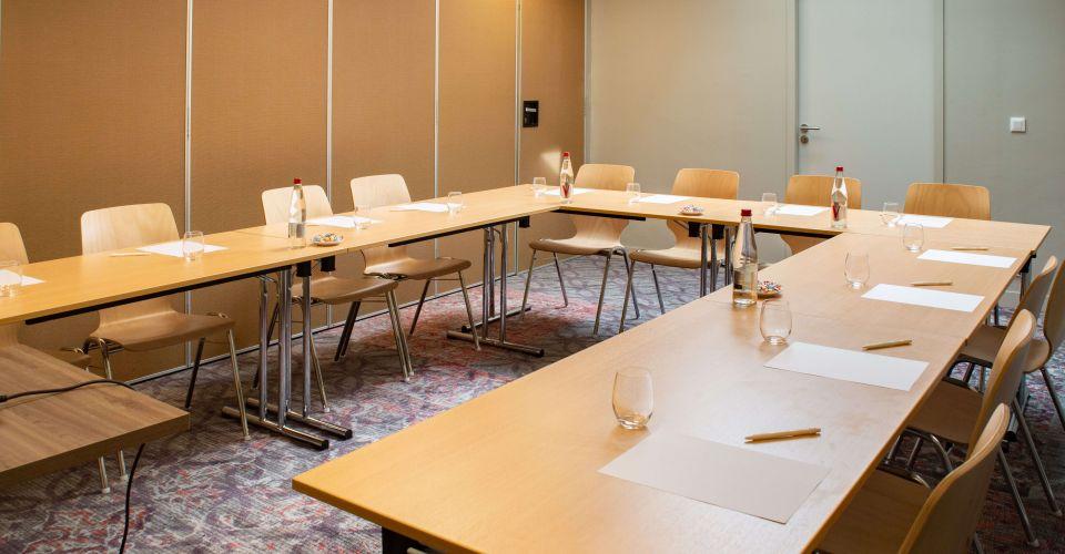 Caen Brit Hotel seminar room