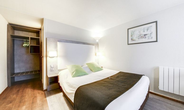 Enjoy the comfort of our 2, 3 or 4 star hotels throughout France