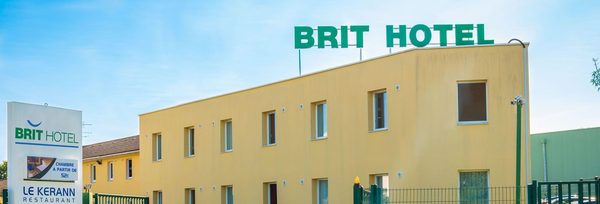 Access to the Saint-Herblain hotel