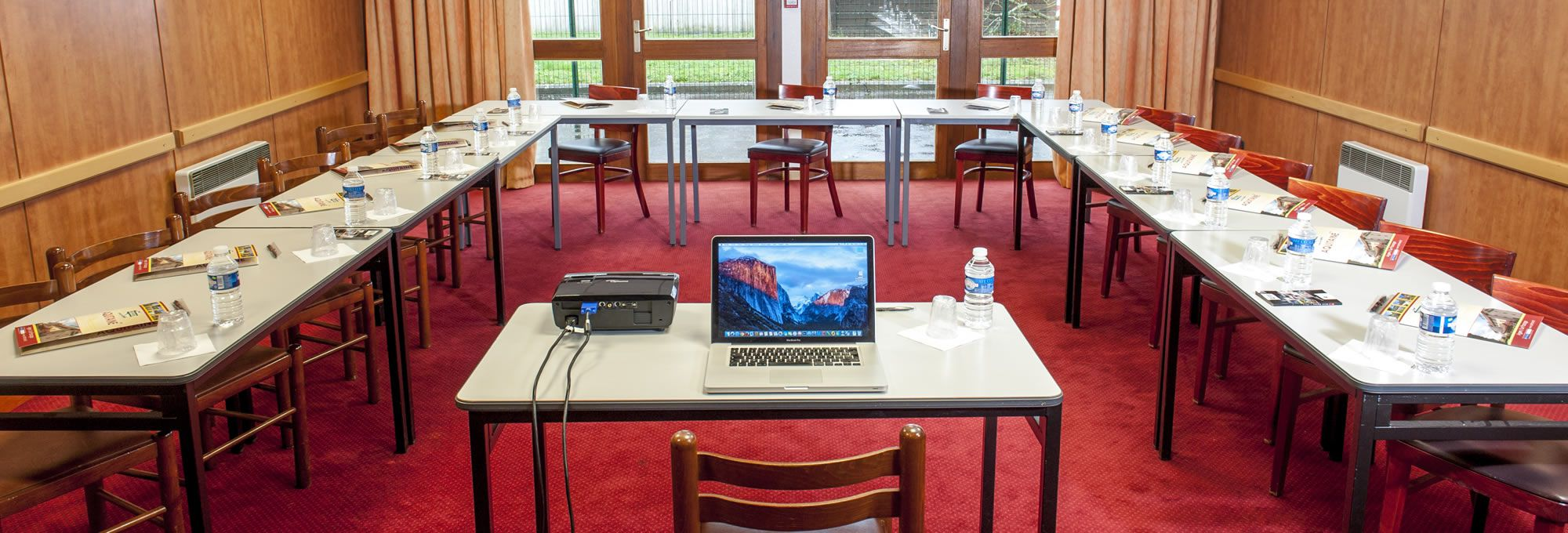 Our 2 air-conditioned seminar rooms