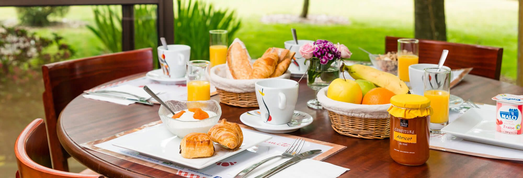 Breakfast at the Brit Hotel Rennes Cesson - Le floreal
