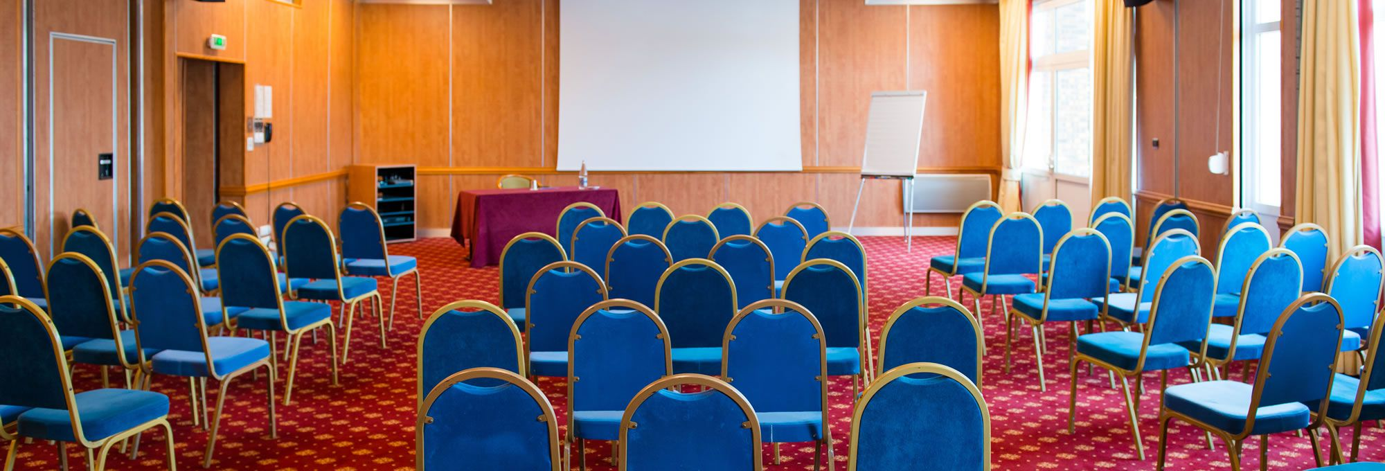 Nos 12 salles de séminaire climatisées