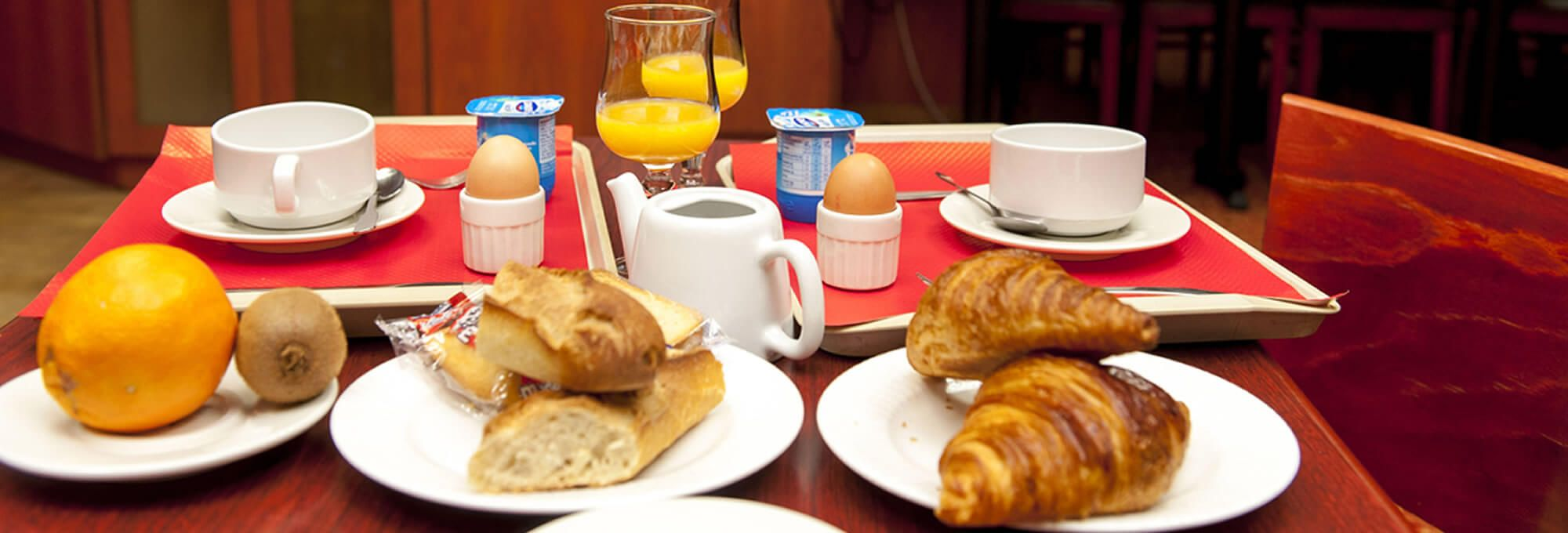 Breakfast at the Hotel d'Agen