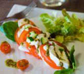 The classic but delicious salad, tomato, mozzarella