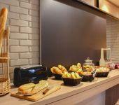 Le coin boulangerie, viennoiserie du Brit Hotel Brest Le Relecq