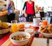 A full breakfast at the hotel in Saint-Herblain