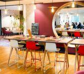 Une table en mange debout à Brest