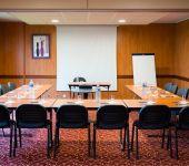 Un salon en U pour vos réunions d'entreprise