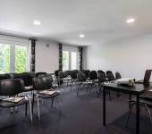 The seminar room at the hotel in Avignon