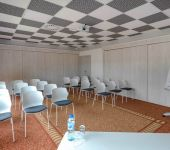 A meeting room, a training room to be organized near Rennes