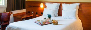 Le petit-déjeuner peut être servit au lit à l'hôtel à Blois