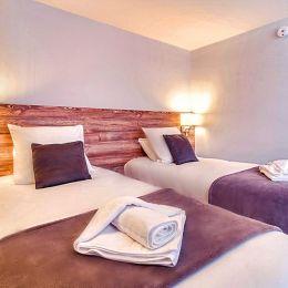 Brit Hotel Pau-Lons