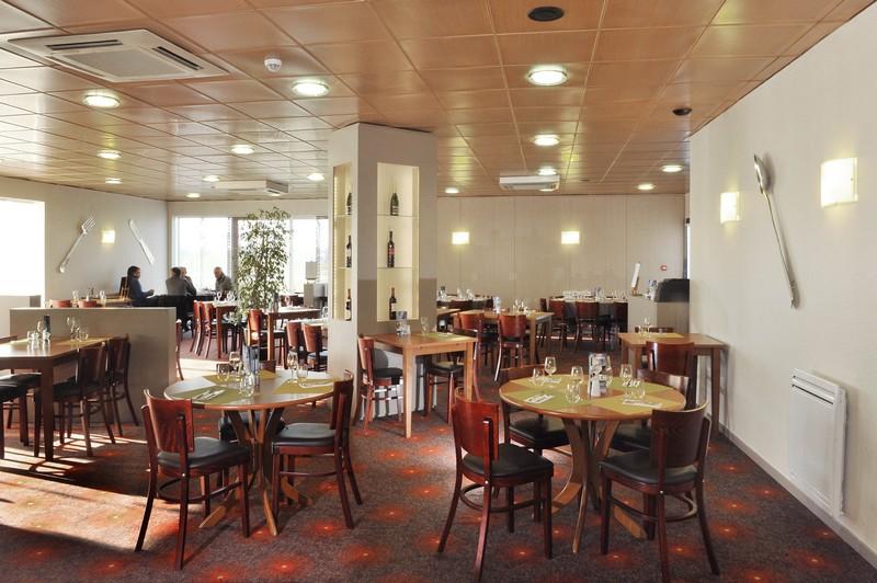 Le restaurant le villeneuve du brit hotel de rennes saint for Restaurant saint gregoire