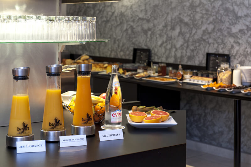 Fruit juices that taste like fruit are served in our hotel.