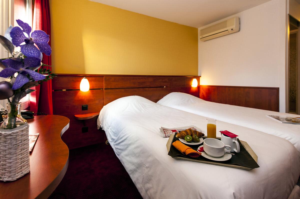 D couvrez les 40 chambres du brit hotel agen l 39 aquitaine for Chambre communicante hotel