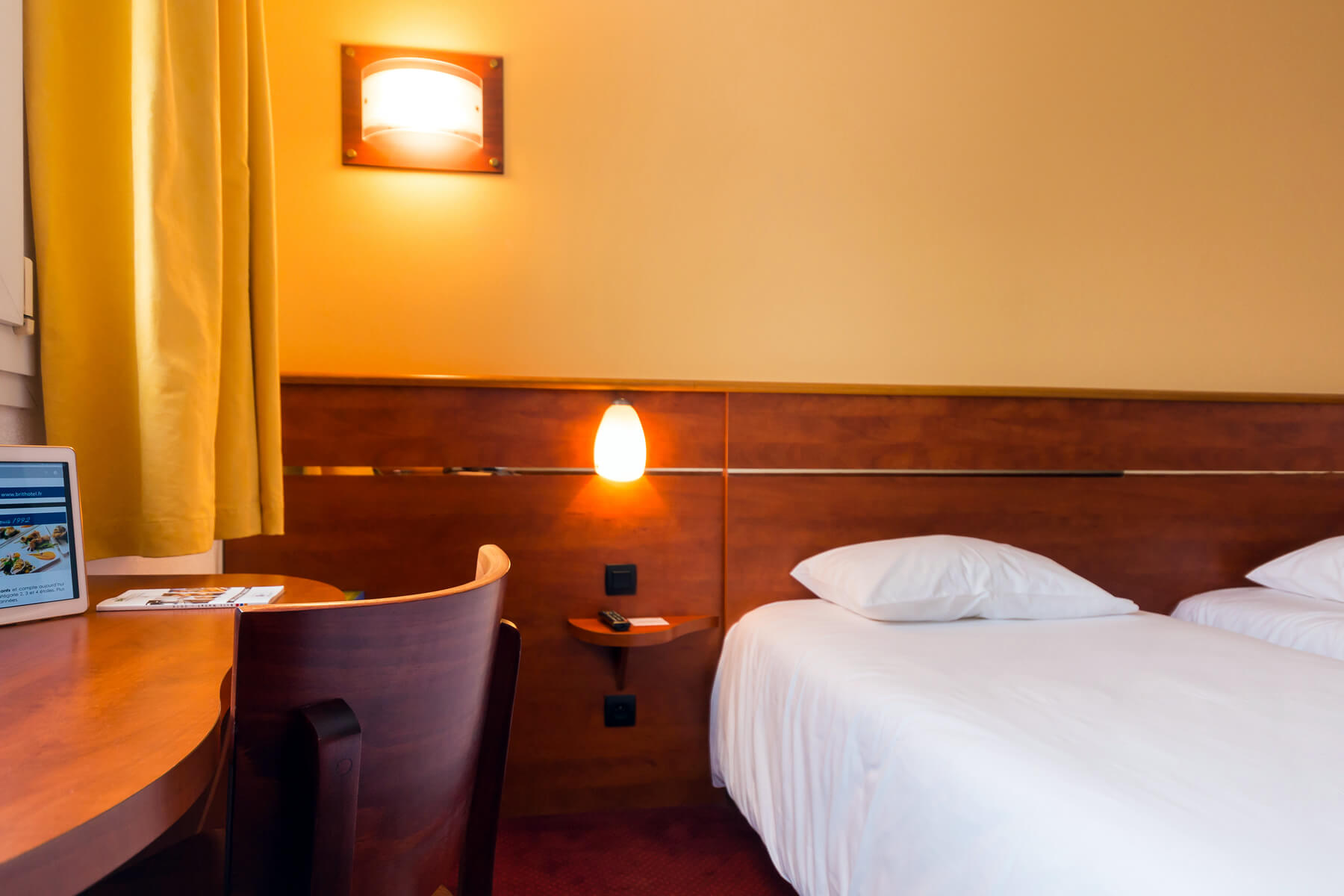 Des chambres d hôtel vouées à la détente ou au travail à cesson