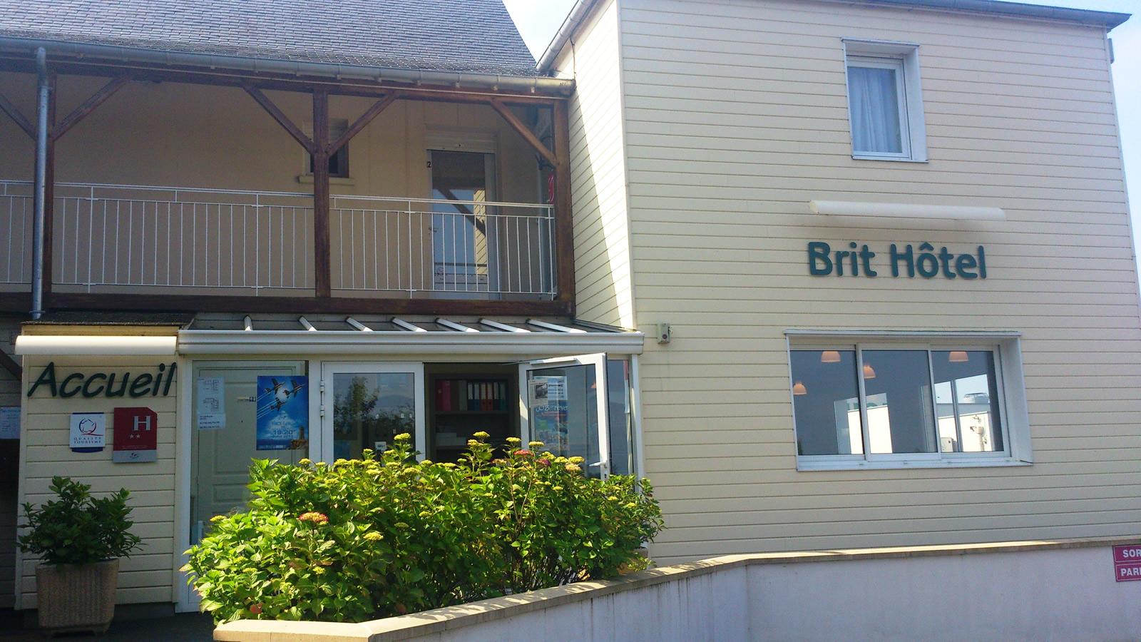 Les chambres du brit hotel aux hortensias de lannion for Reservation hotel par mail