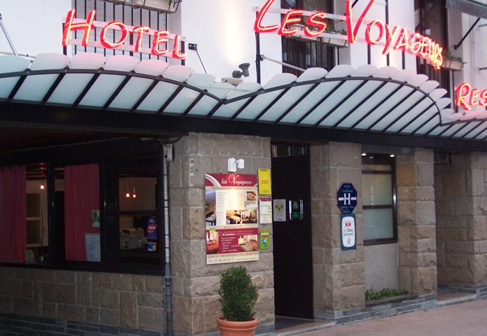 Chambres et tarifs hotel les voyageurs loud ac for Reservation hotel par mail